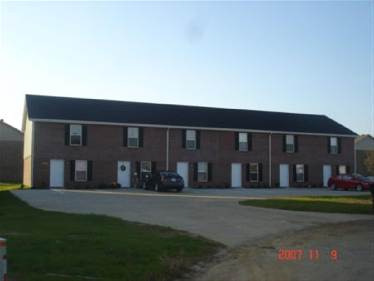 Coyote Court Townhomes Apartment In Clarksville Tn