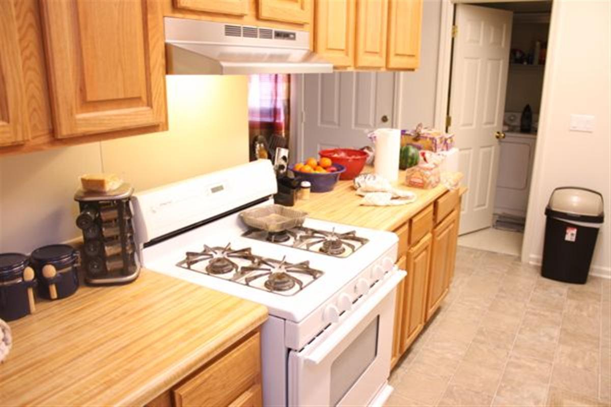 Gardner hills townhomes apartment in fort campbell ky for Gardner pool fort campbell