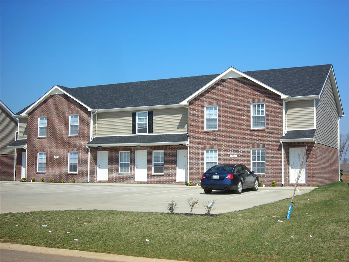 Oak Arbor Townhomes Apartment In Clarksville Tn