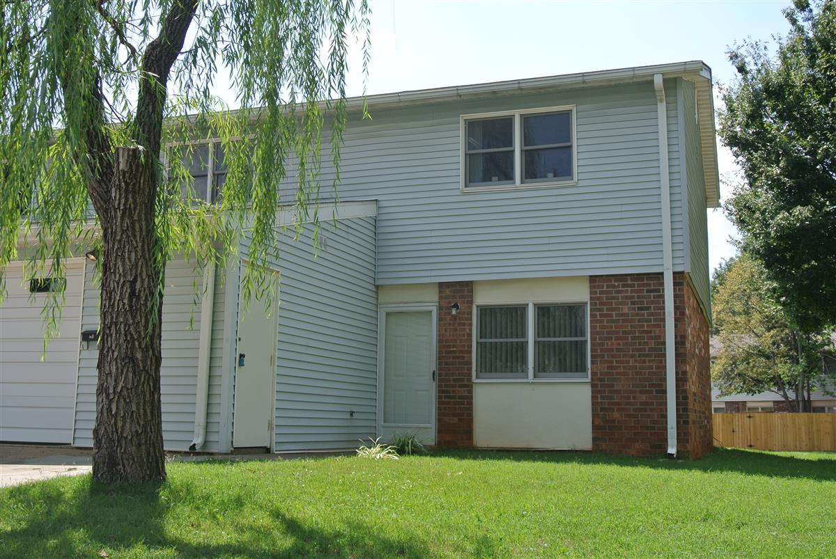 Pierce Village Townhomes Apartment In Fort Campbell Ky