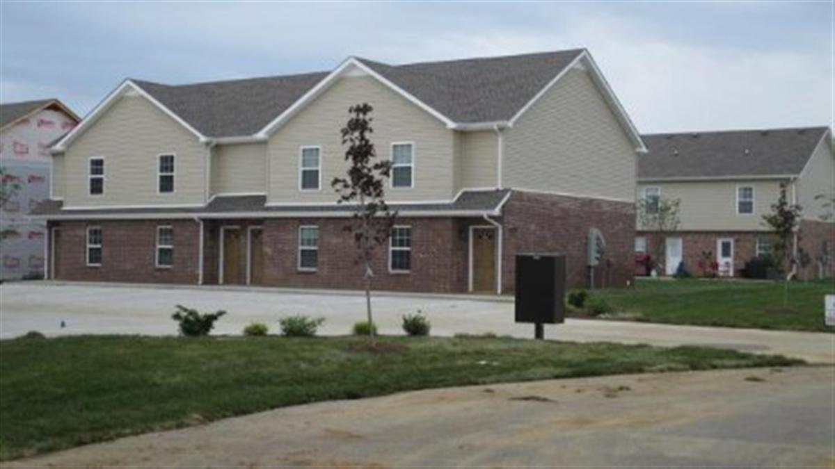 Professional park townhomes apartment in clarksville tn 2 bedroom apartments clarksville tn