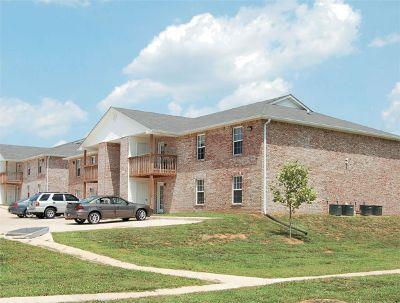. Royster Lane Apartments   Apartment in Clarksville  TN