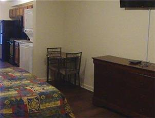 AAA Extended Stay, Furnished at Condor Court MONTH TO MONTH