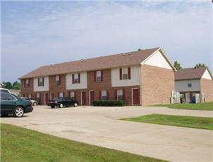 Coyote Court Apts and Townhomes apartment in Clarksville, TN
