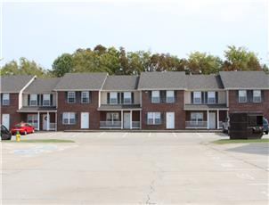 Gateway Village apartment in Clarksville, TN