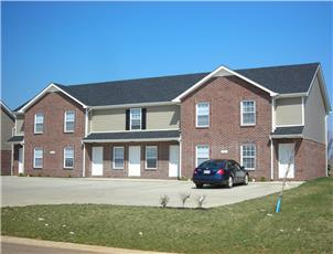Oak Arbor Apartments & Townhomes apartment in Clarksville, TN
