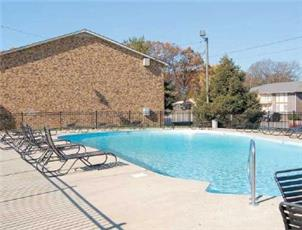 Paddock Place apartment in Clarksville, TN